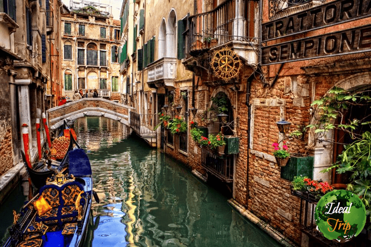 Italy-Venice-Canals-3