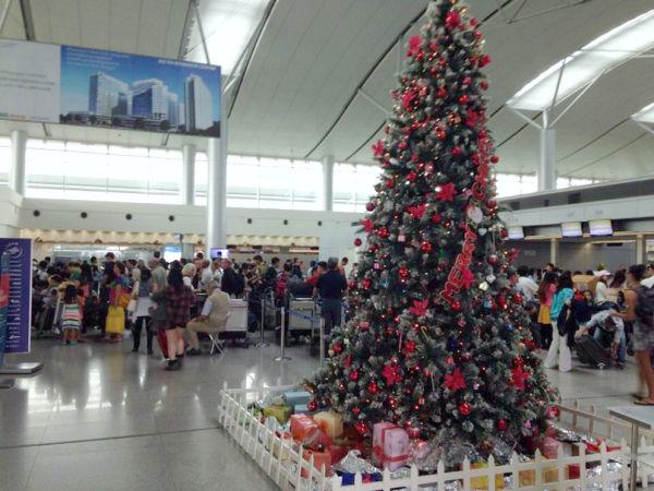 Предновогодний аэропорт Таншоннят (SGN) во Вьетнаме и много людей