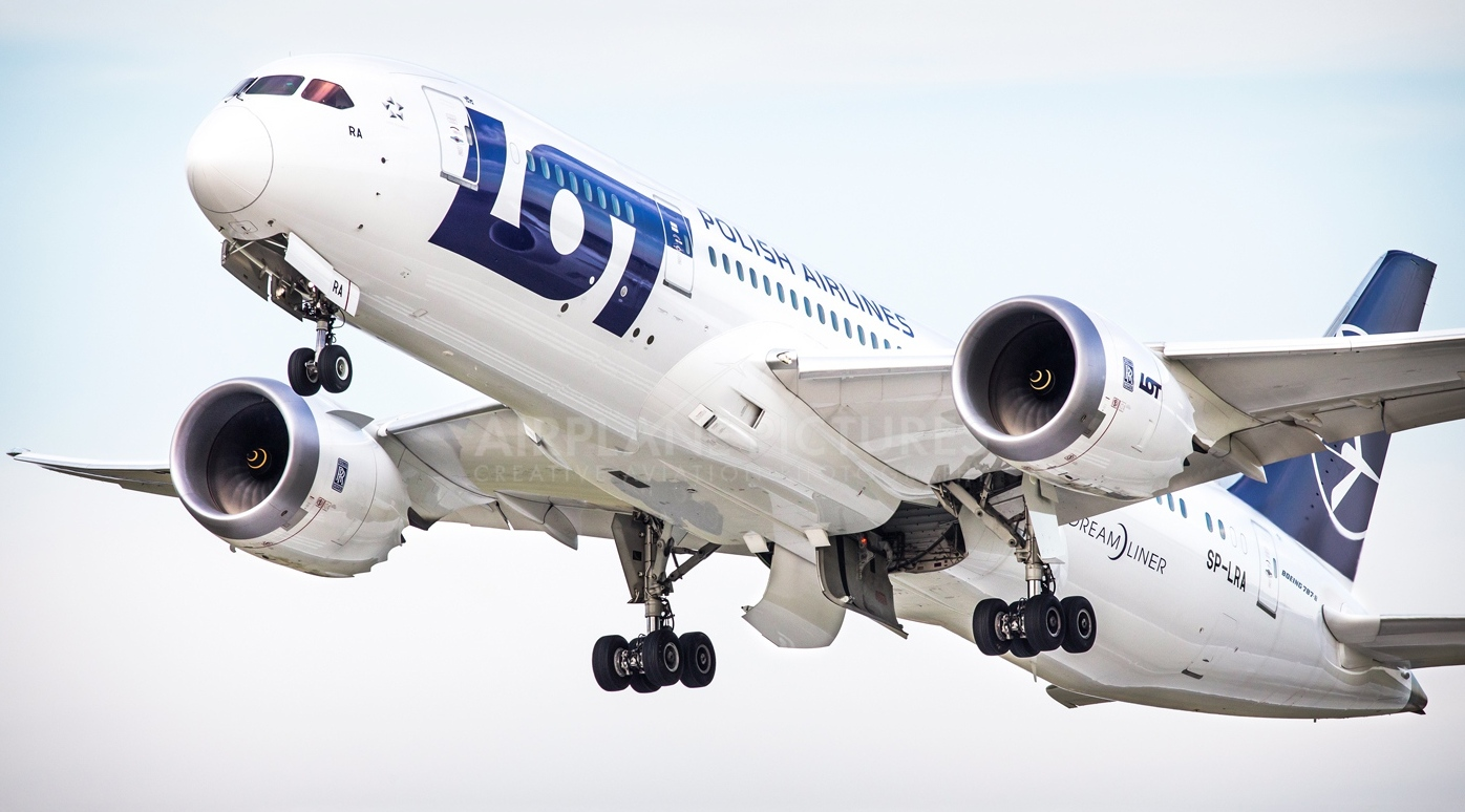 польский LOT Dreamliner1