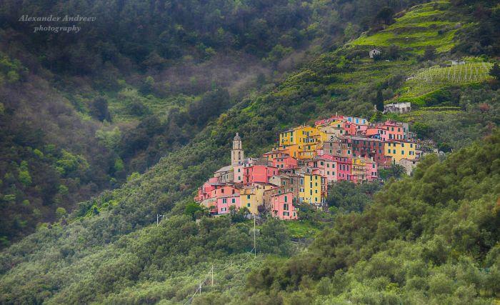 Небольшой городок в горах Италии