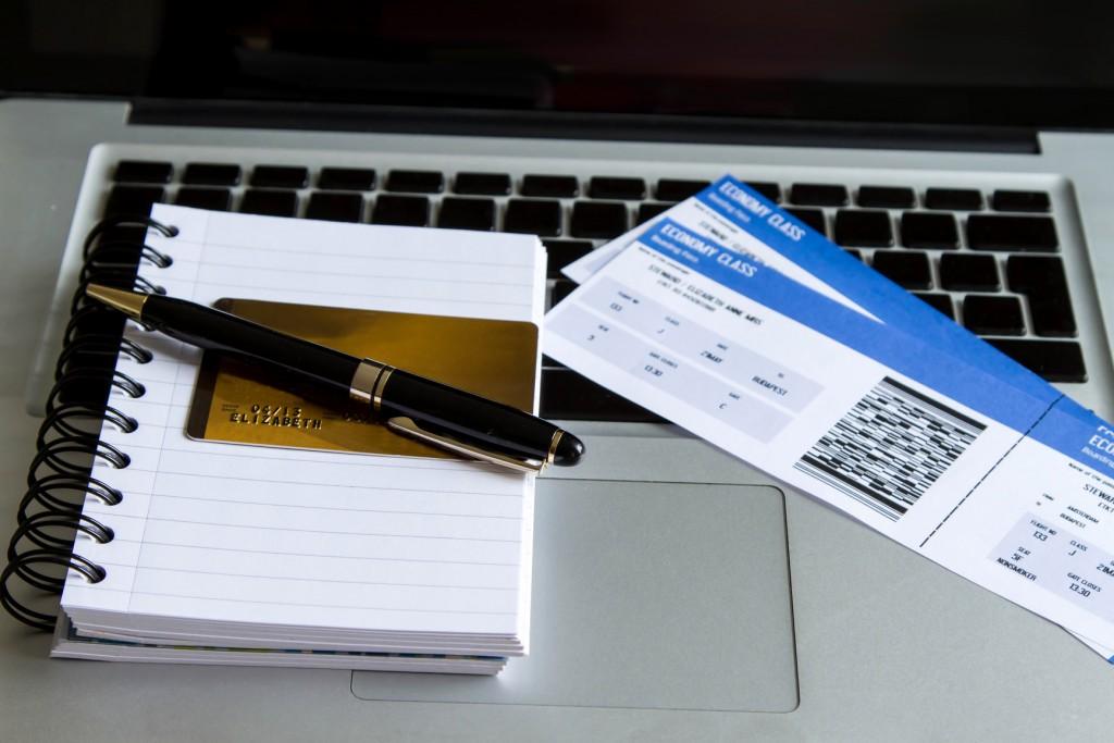 документы и билеты