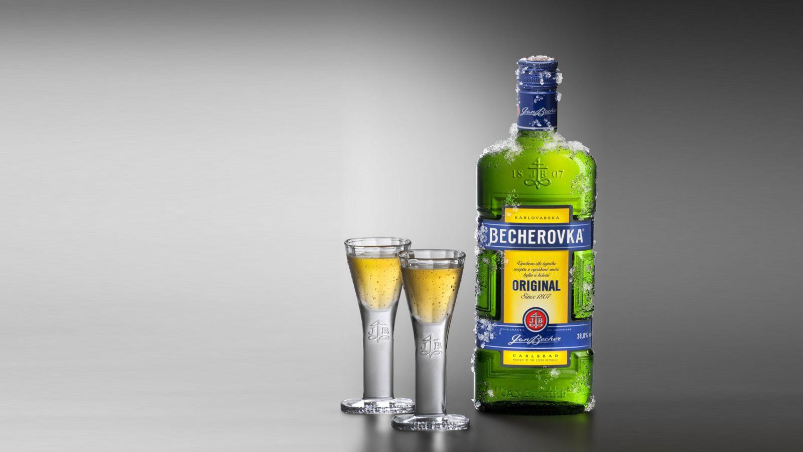 Алкогольный напиток Бехеровка