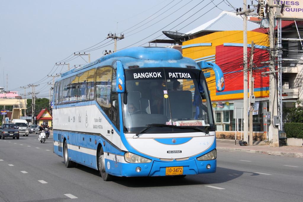 Scania_K380_intercity_bus_in_Pattaya