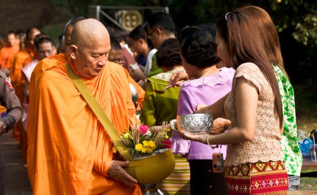 novyj-god-v-tailande-kogda-monah