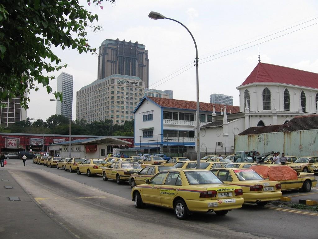 singapurgskoe-koleso-obozreniya-taxi