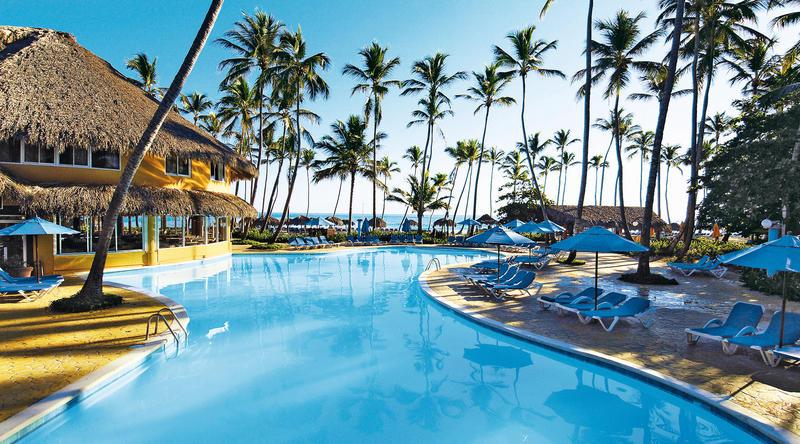 barcelo-dominican-beach-basseyn