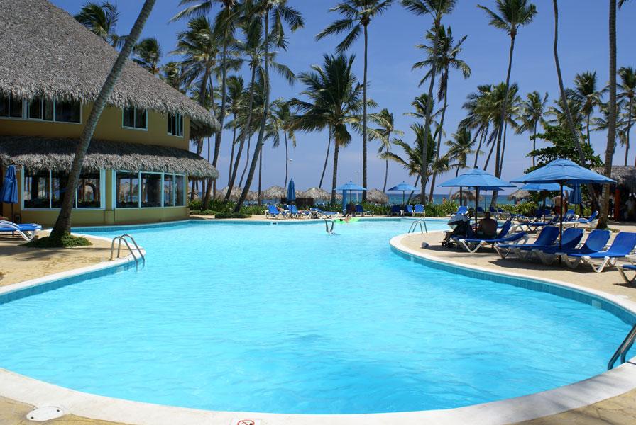 barcelo-dominican-beach-palmy