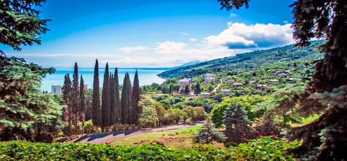 Нужна ли страховка для поездки в Абхазию?