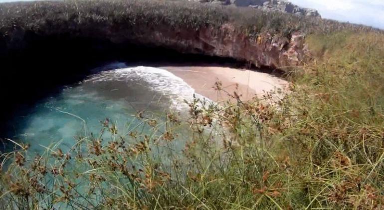 Скрытый пляж мексика