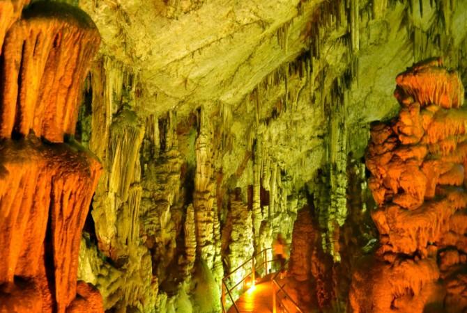 Диктейская пещера Зевса