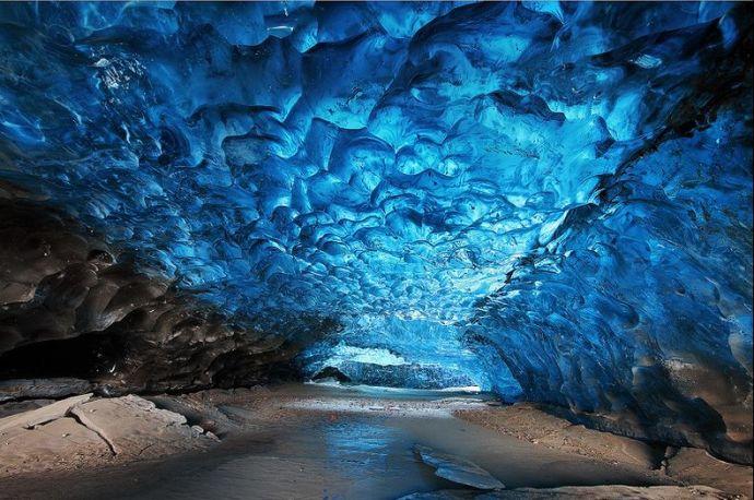 Ледяная пещера Скафтафетль изнутри