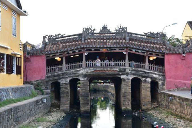 Крытый японский мост во Вьетнаме