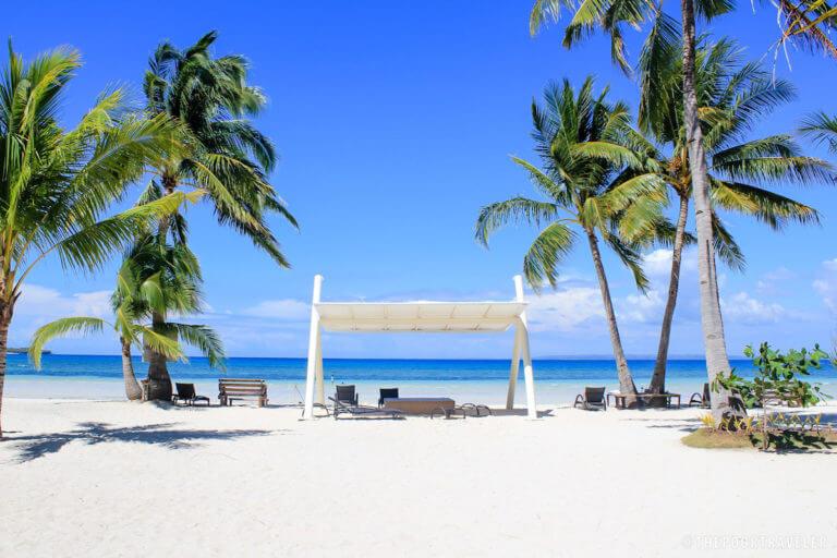 Пляж возле Anika резорт на острове Бантаян