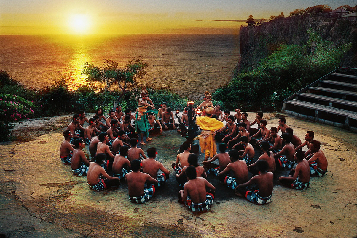 Народный танец Кечак на Бали