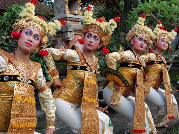 Народный танец на Бали