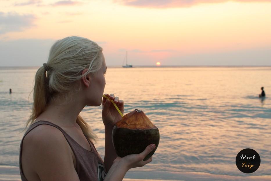 Кристина Эндлесс на пляже Ката