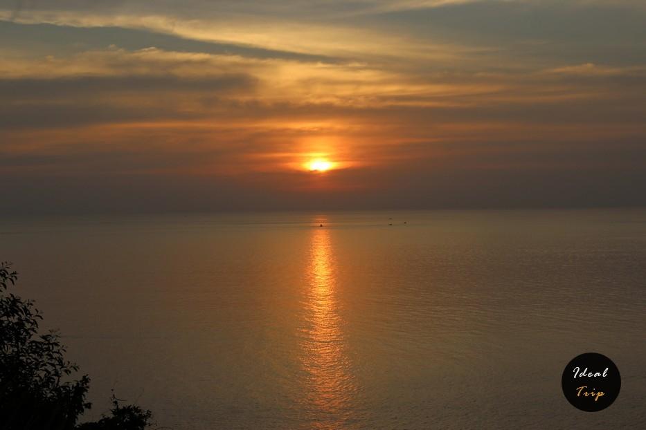 Вид на закат с мыса Промтеп