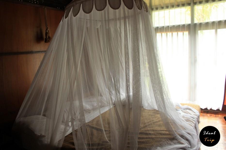 Спальня в отеле на острове Гили