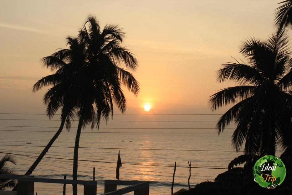 Закат из отеля в Тангалле