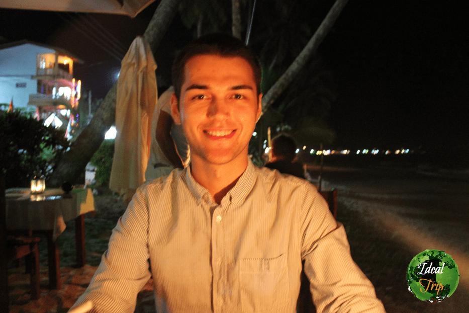 Станислав Матвеев в кафе Шри-Ланки