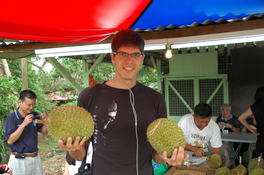 Павел Сырцов и фрукты