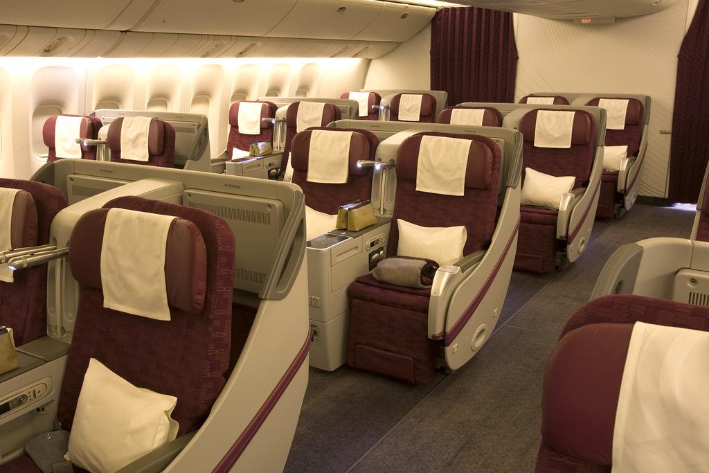 Салона самолета Boeing 777-300ER