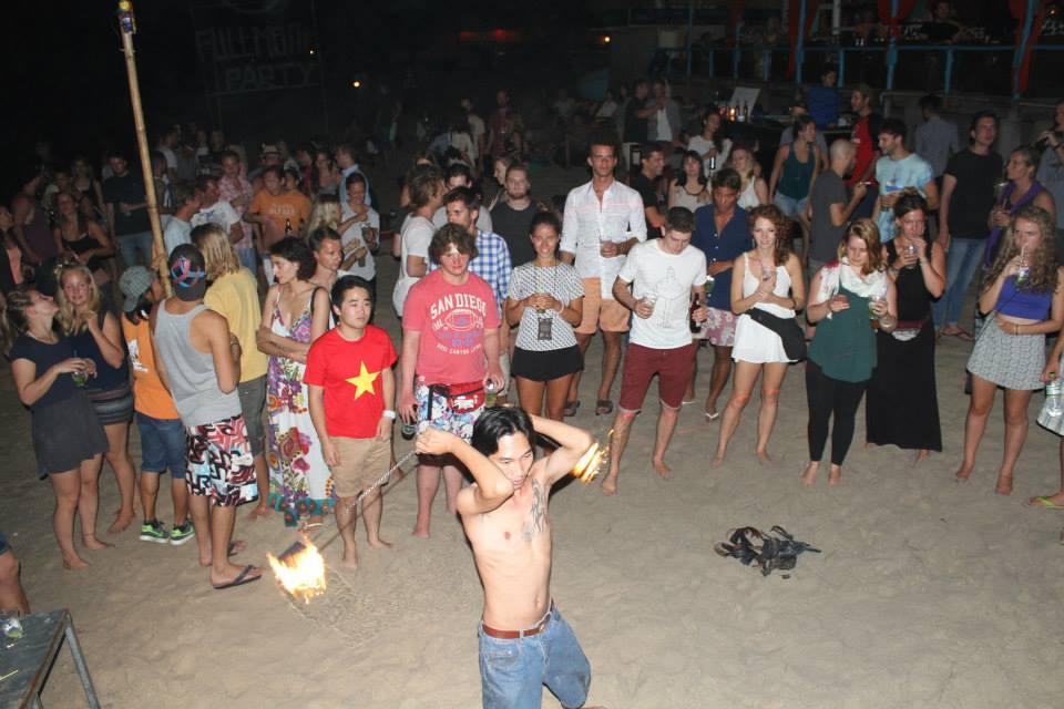 Пляжные танцыв клубе VKS