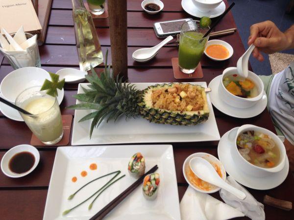 Ресторан в Хошимине