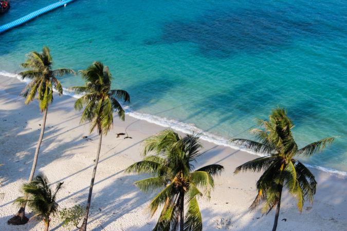 Пустой пляж на о.Вуа Талап