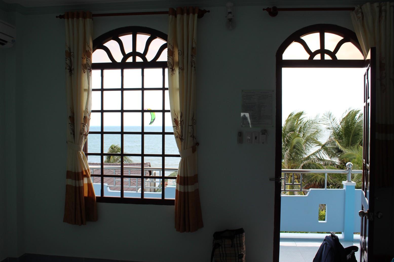 Отель в Муйне с видом на море