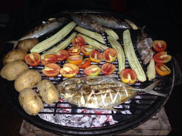 Рыба и овощи на гриле