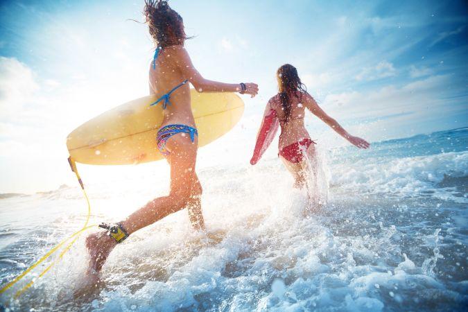 Девушки на лучшем пляже Шри-Ланки
