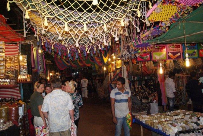 Ночной рынок на Гоа