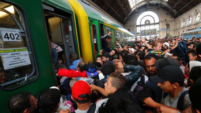 Поток нелегальных эмигрантов