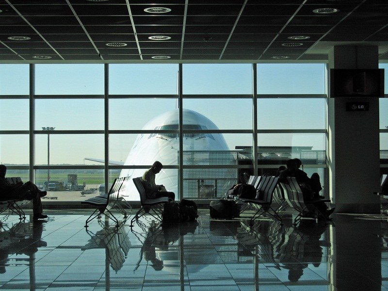 Аэропорт, зал ожидания