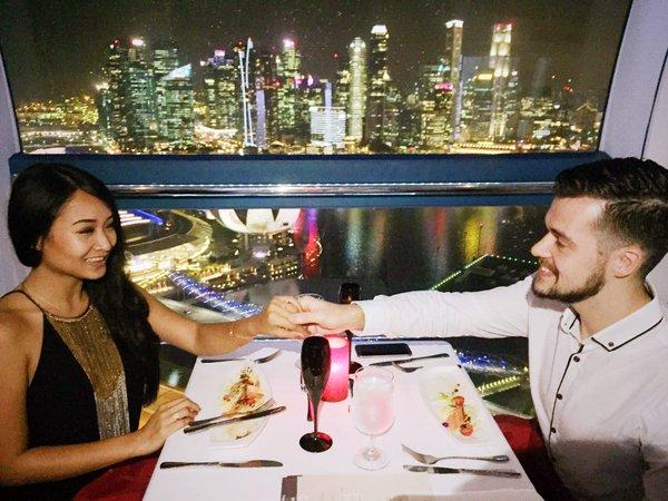 Ужин в Сингапурском колесе обозрения