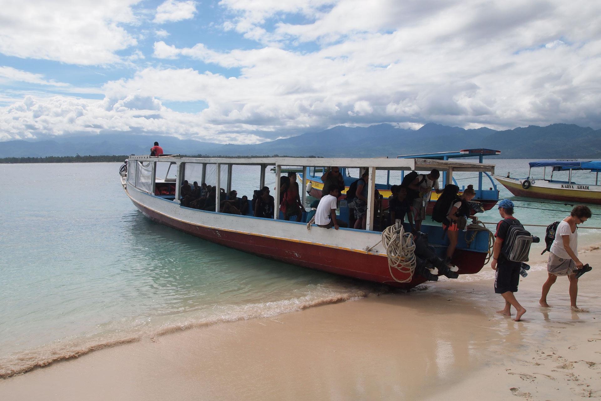 Лодка с Ломбока до островов Гили