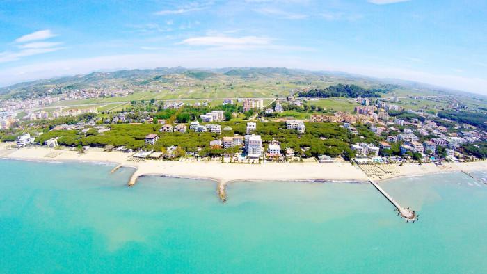 Территория Албании