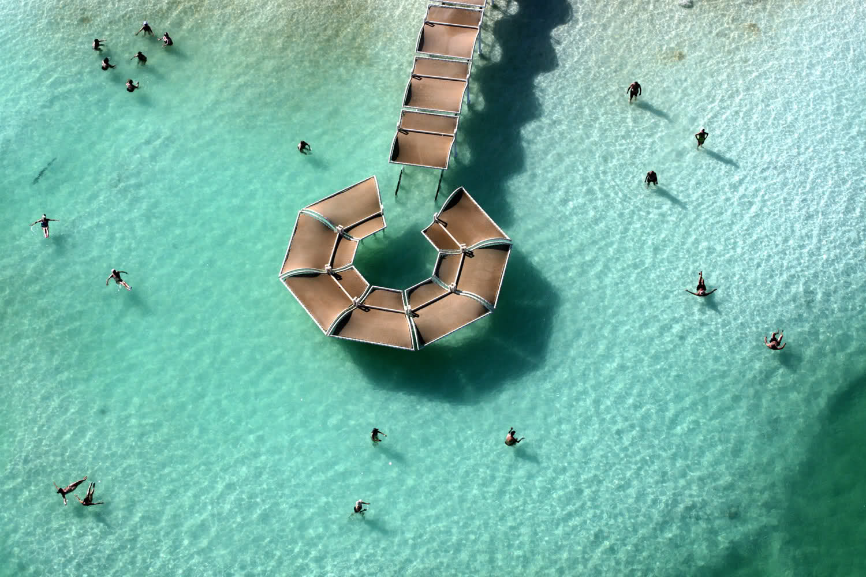 Красное море и отдыхающие