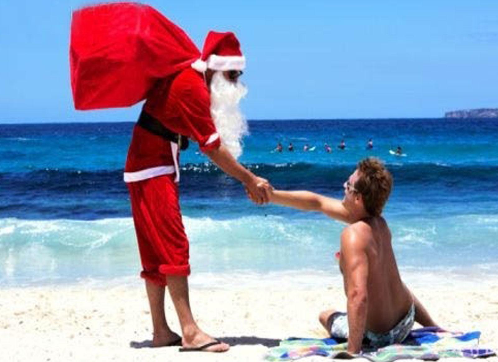 Дед Мороз на море