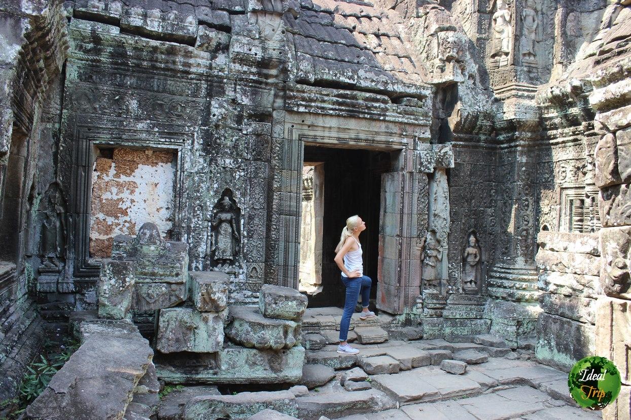 Кристина Эндлесс в храме Ангкор