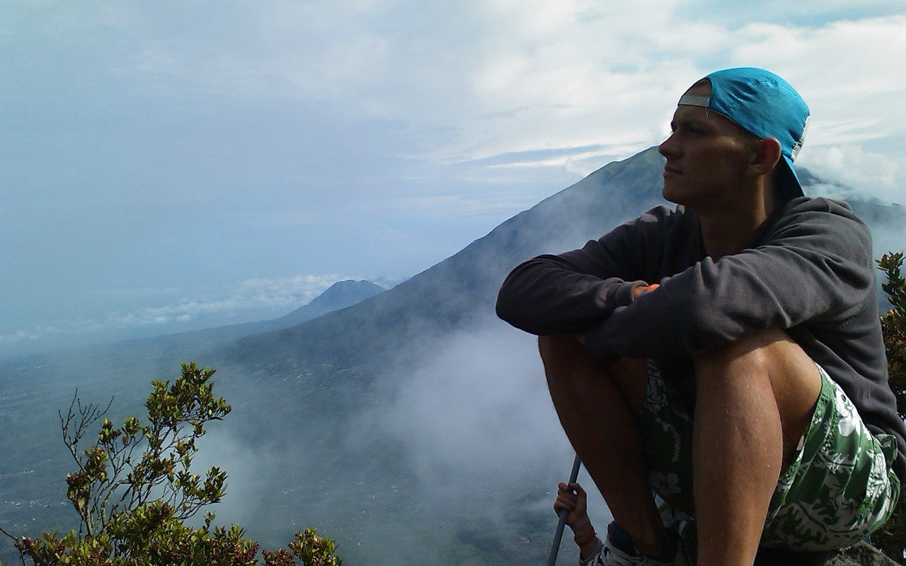 Михаил в горах
