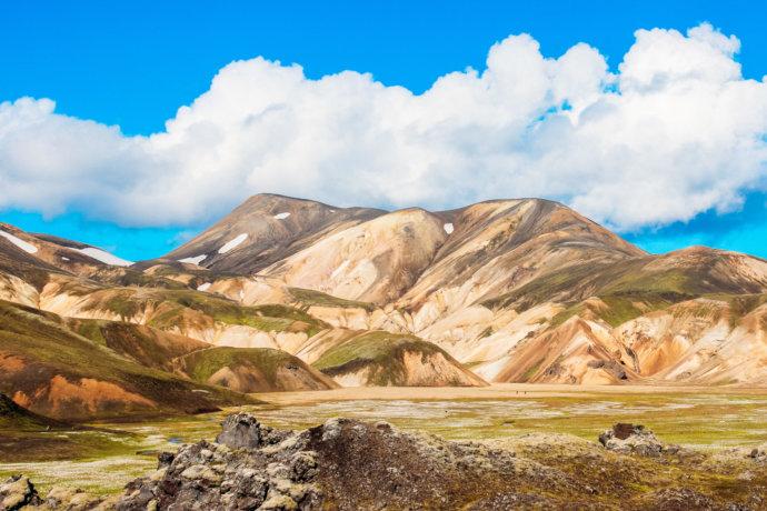 Долина цветных гор