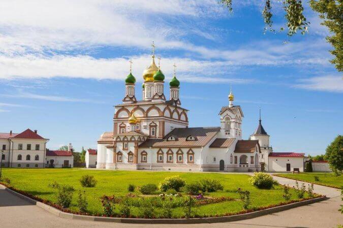 Монастырь в Ростове