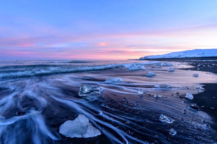 Бриллиантовый пляж в Исландии.