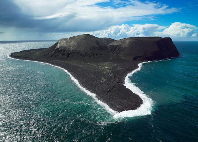 Остров Суртсей в Исландии