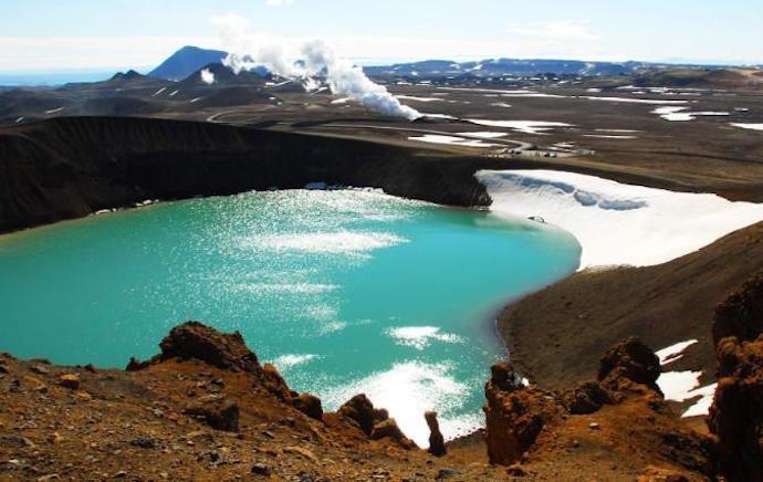 Озеро Вите в Исландии
