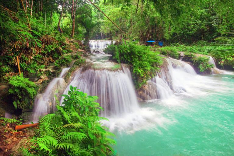 Водопад в Сикихоре
