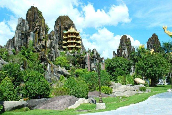 Мраморные горы во Вьетнаме
