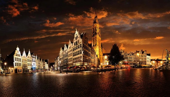 Ночной Антверпен